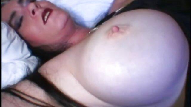 Porno nessuna registrazione  Il ragazzo rapidamente messo un membro nella vagina di ragazze russe, il video gratis di pompini amatoriali suo cazzo e spalancare. Allungato figa labbra a lato e lui per esporre figa da dentro