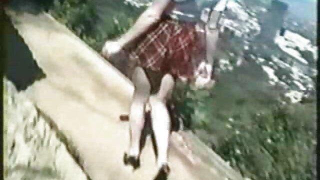 Porno nessuna registrazione  Un giovane uomo scopa un teen Babe video di pompini italiani in calze nere, in collant, collant anale