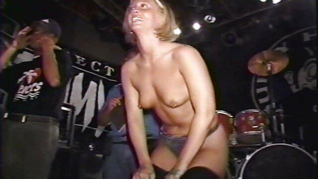 Porno nessuna registrazione  Caldo sexy milf si siede moana pozzi ingoio lei micio su il person di il bocca e scopata in il culo