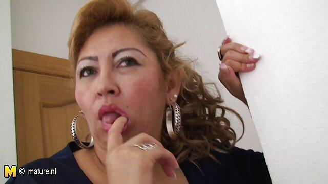 Porno nessuna registrazione  Un tizio xxx pompini italiani scopa una rossa puttana duro in bocca
