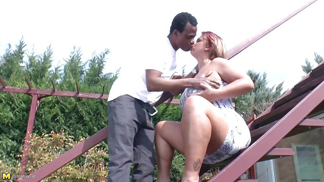 Porno nessuna registrazione  Figlio di lascivo leccare il corpo di una ragazza nera pompino ex fidanzata