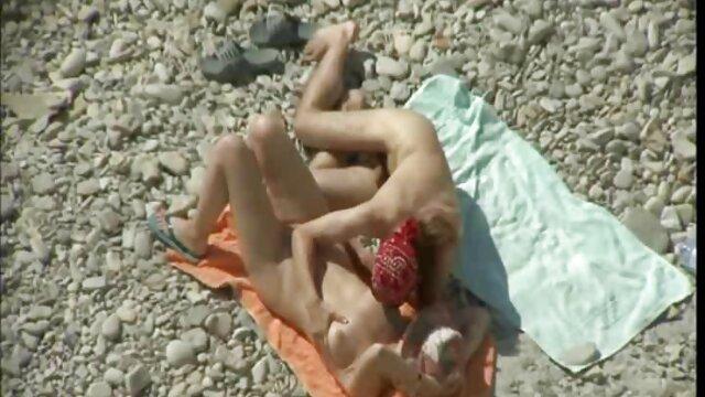Porno nessuna registrazione  Un ex video porno pompini gratis boscaiolo, sorella, fratello, bionda nella foresta