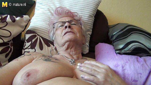 Porno nessuna registrazione  Bruna Kyra pompino filmato regina incorniciato il suo culo stretto per un cazzo di grasso