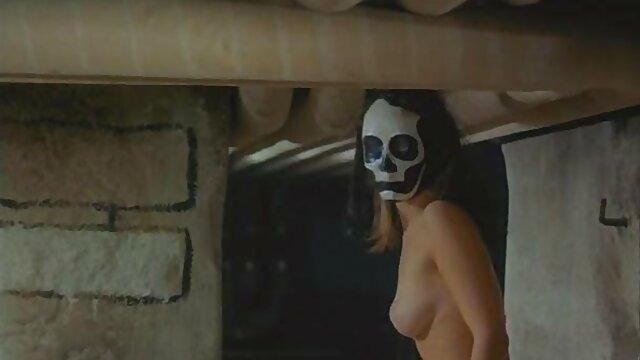 Porno nessuna registrazione  Due giovani sexy pompino al cinema shemale cazzo con un maschio maturo