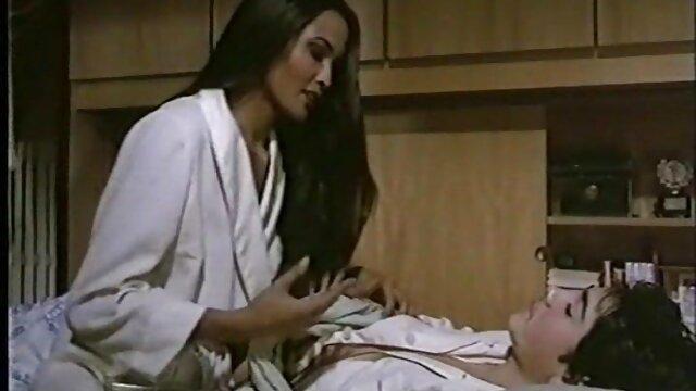 Porno nessuna registrazione  Sara Ghiandaia ama gola profonda ingoio grande nero cazzo