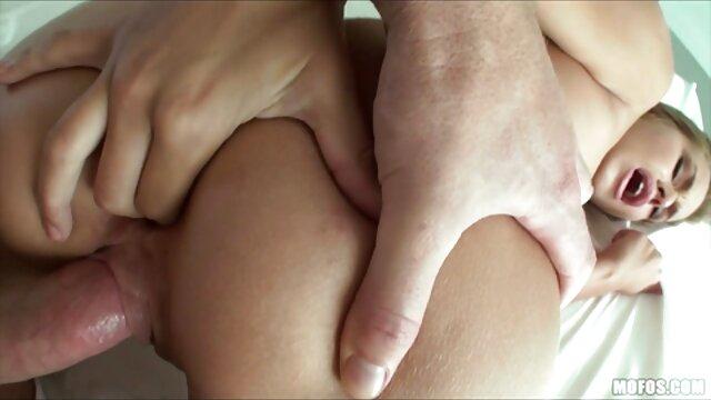 Porno nessuna registrazione  Masturbandosi video porno italiani pompini il mio dildo preferito, figa, e chiederle di succhiare il mio cazzo