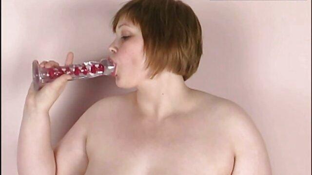 Porno nessuna registrazione  Una giovane bruna con un grande culo, video xxx pompini mia sorella in anale