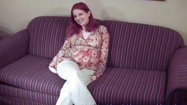 Porno nessuna registrazione  Due persone pompini amatoriali video fanno sesso sul divano